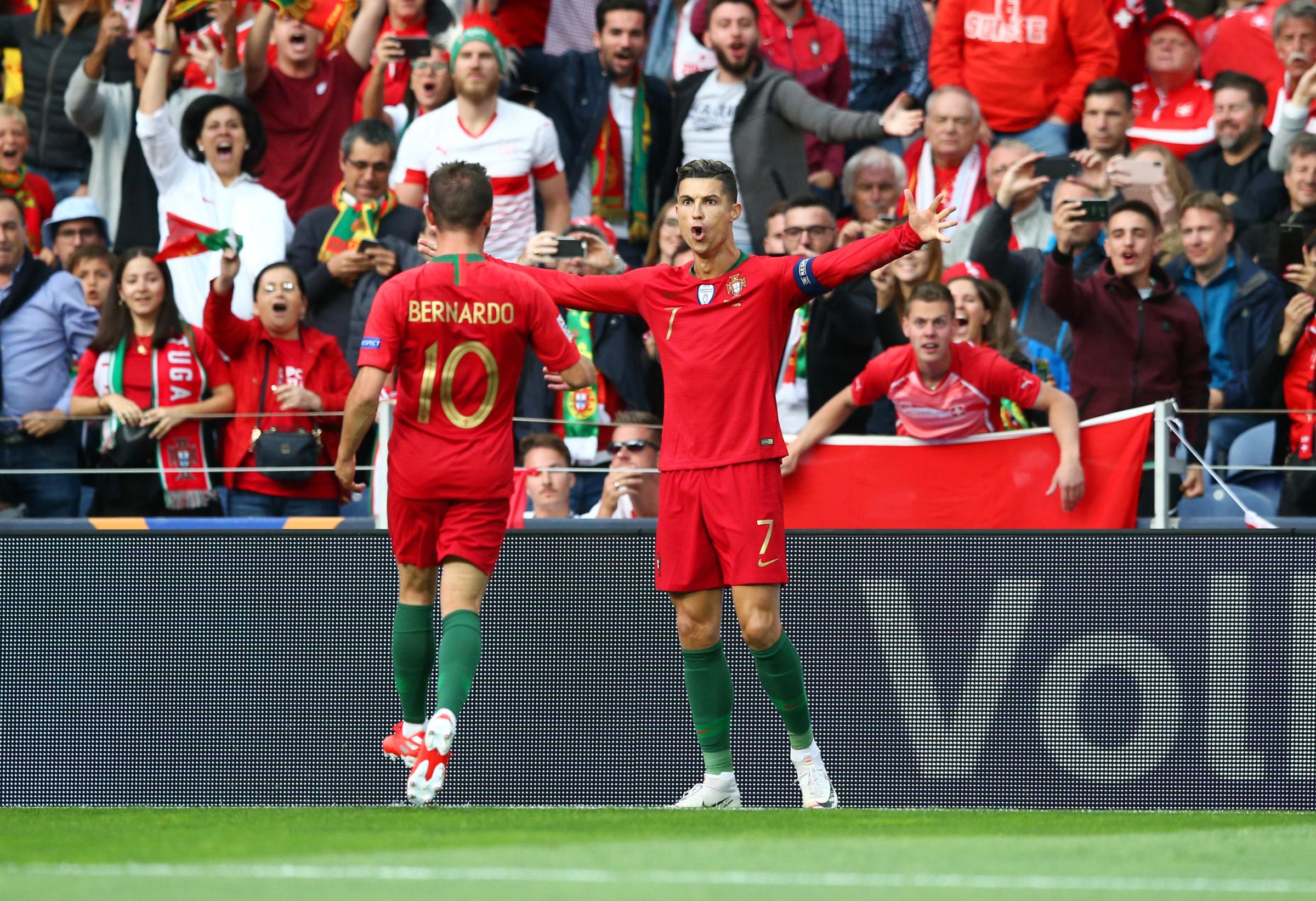 015253850 Portugalia - Szwajcaria: Cristiano Ronaldo wprowadził zespół do finału Ligi  Narodów UEFA 2019 | Eurosport w TVN24 - Piłka nożna - TVN24